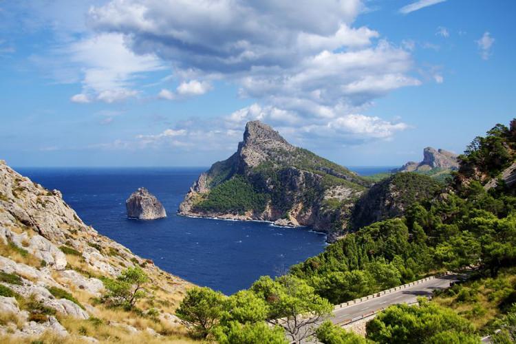 Atemberaubende Ausblicke bietet eine Fahrt auf die Halbinsel Cap Formentor